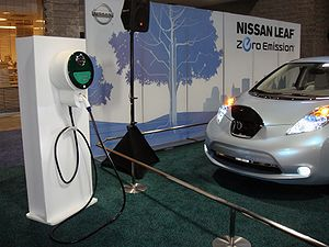 English: Nissan Leaf electric vehicle and rech...