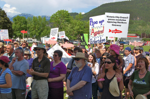 Hundreds rally against Northern Gateway pipeline in Terrace, BC, June 16. (Image via Flickr from Friends of Wild Salmon)